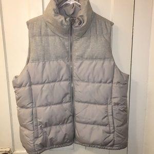 LIKE NEW‼️Old Navy Gray Puffer Vest size XXL